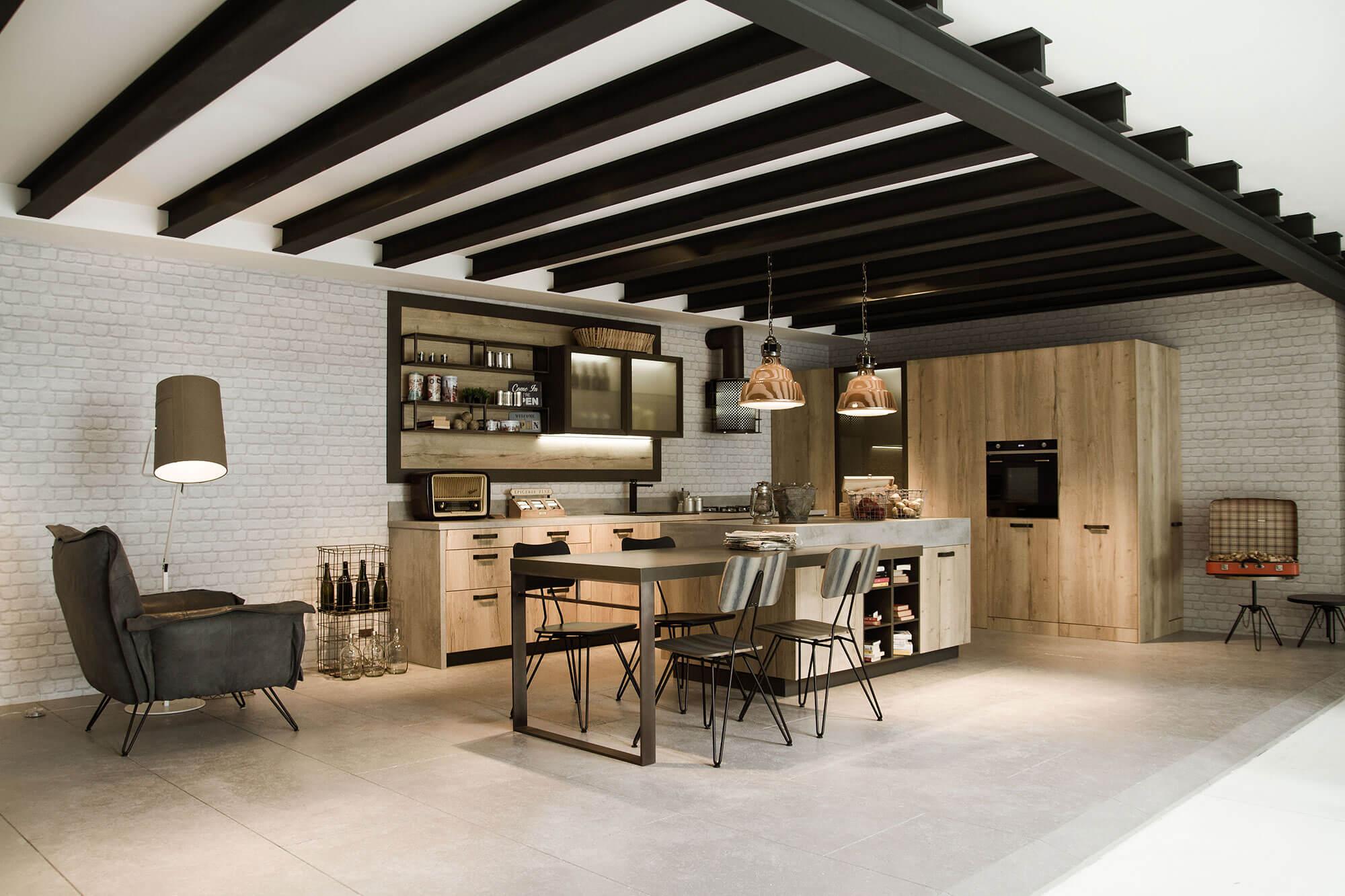 Moderne Snaidero keuken met hout