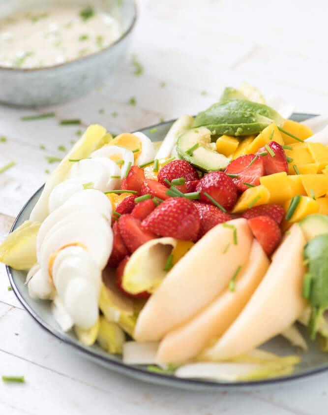 Zomerse witlofsalade met fruit
