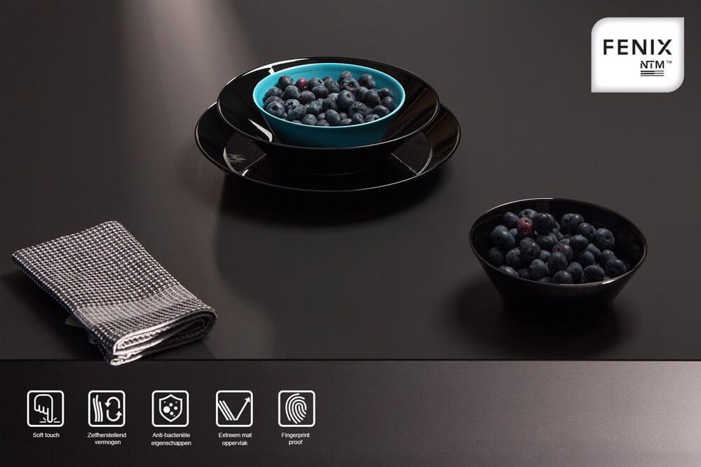 Dekker Fenix in de kleur mat zwart