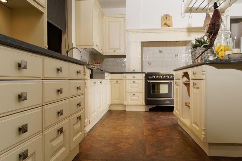 Engelse keukens van Tieleman Keukens