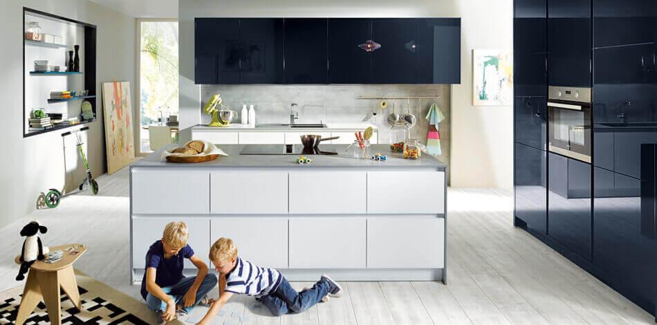 Blauwe moderne keuken