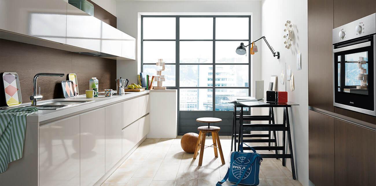 Glanzende moderne keuken