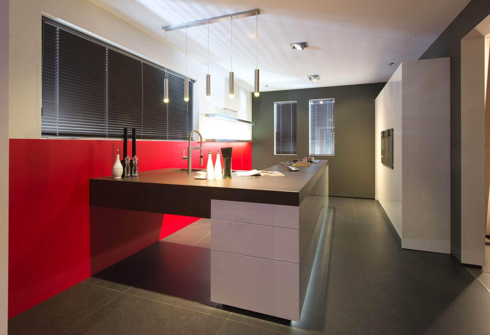Rode moderne keuken
