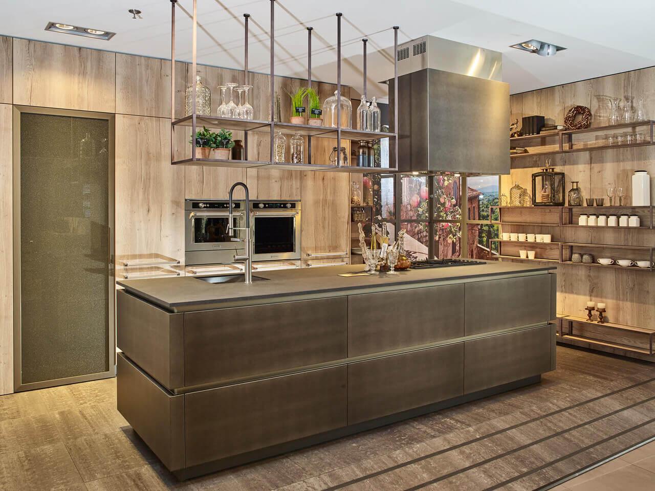 Industriële keukens met moderne tinten