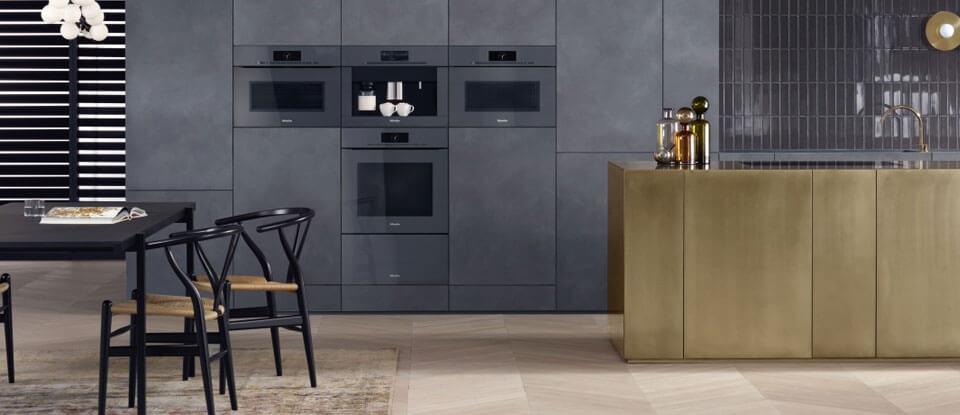 Moderne keuken in goudkleur