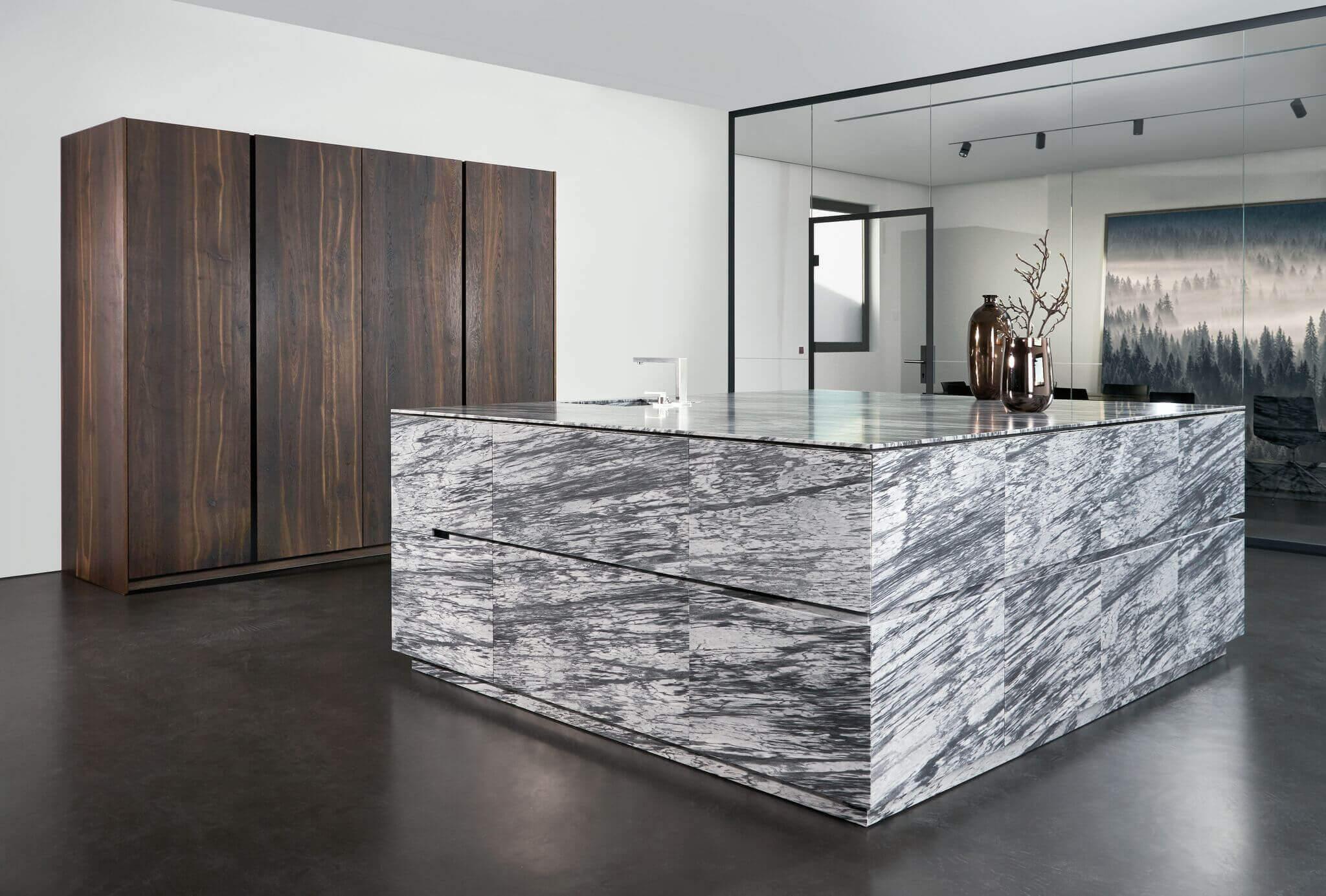 Moderne keuken met marmer