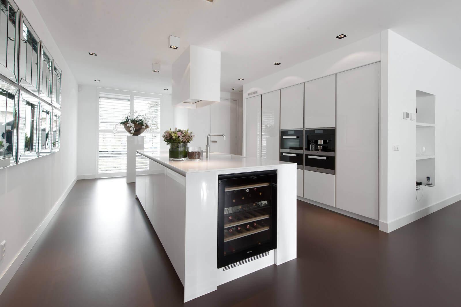 Witte hoogglans keuken in Bleiswijk