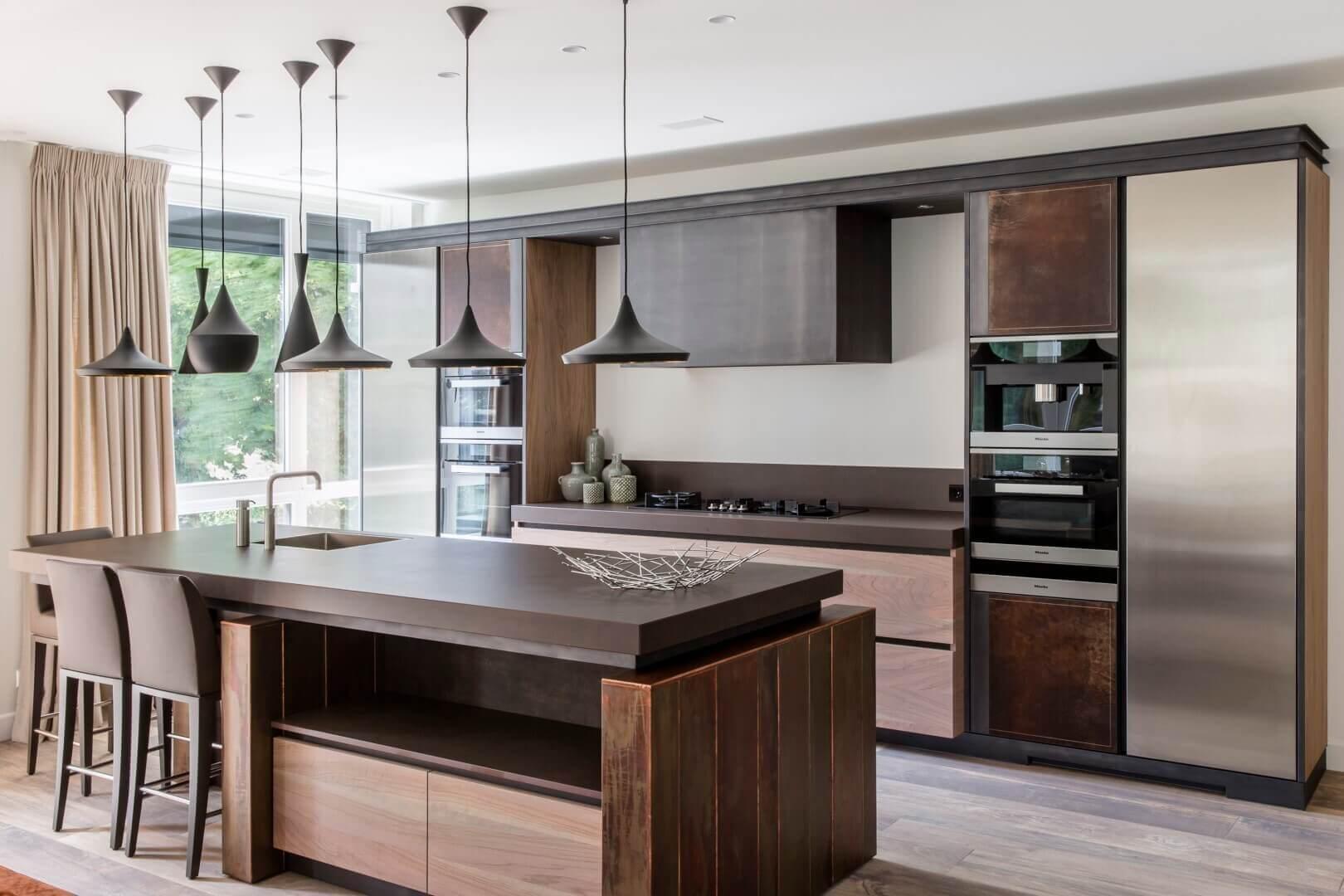 Moderne keuken met spoeleiland