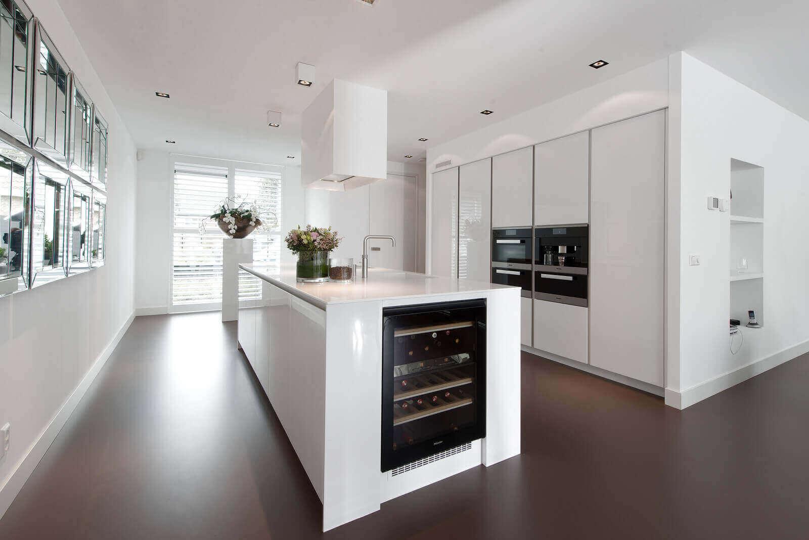 Wijnkoelkast geplaatste Tieleman keuken
